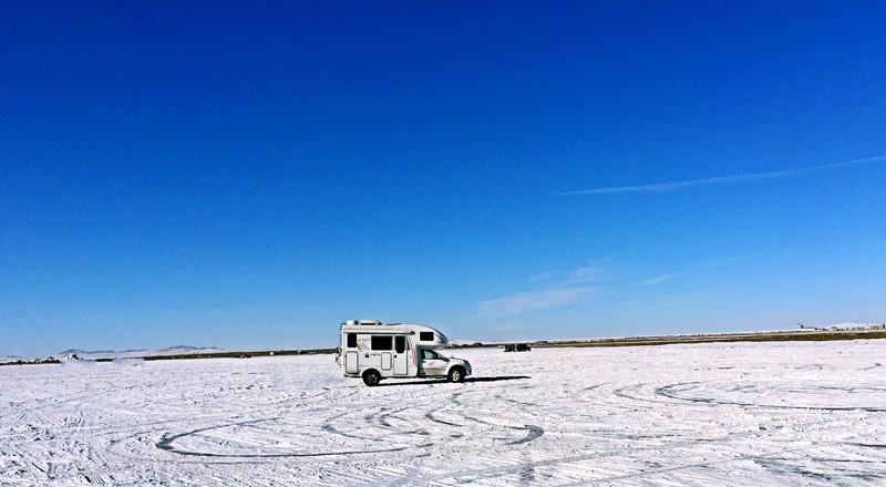 冬季玩雪,开房车这个必须要有