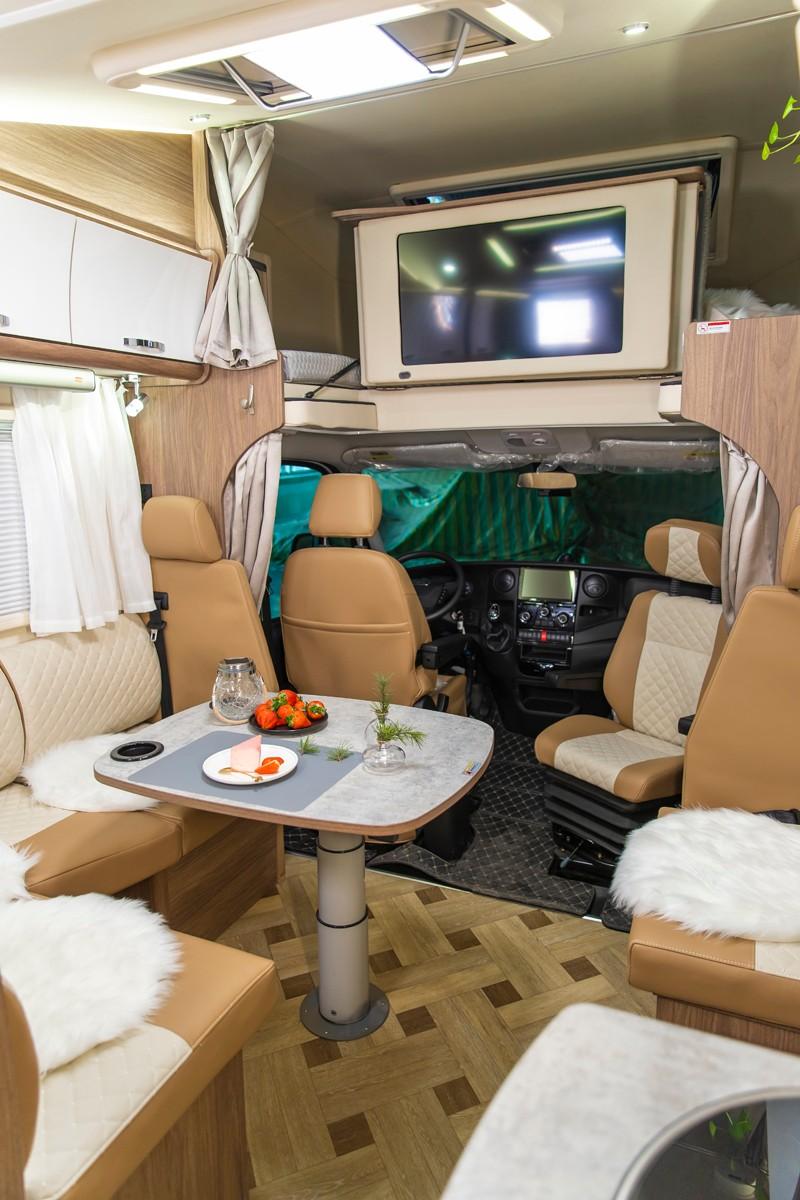 更有空间,更舒适的国六房车